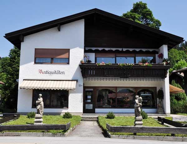 Ladengschäft von Antiquitäten Greinwald in Schliersee / Oberbayern
